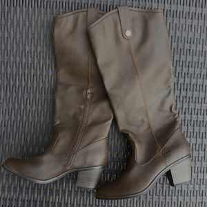 Mossimo Supply Co Fall Boots NWOT Brown Size 8